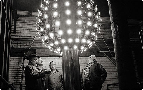 New Years Eve Ball Drop 1907 on Flee Fly Flown