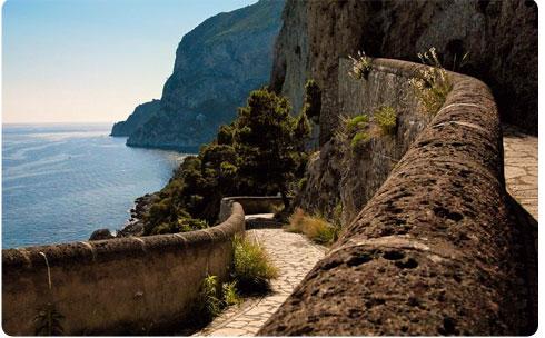 Capri Italy as a honeymoon idea on Flee Fly Flown
